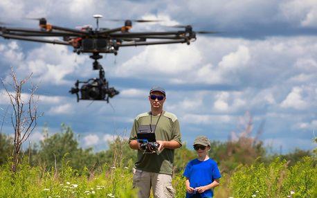 Naučte se řídit dron: kurz pro piloty začátečníky