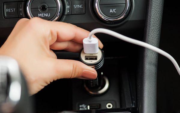 Adaptér do auta GoGEN kovový bezpečnostní hrot, 2x USB (CHH25B) černý4