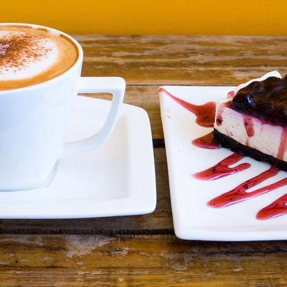 Voňavá káva a dortík dle vašeho výběru