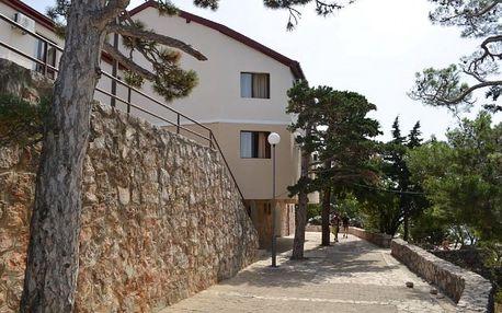 Chorvatsko - Kvarner na 8 dní, polopenze s dopravou vlastní 300 m od pláže