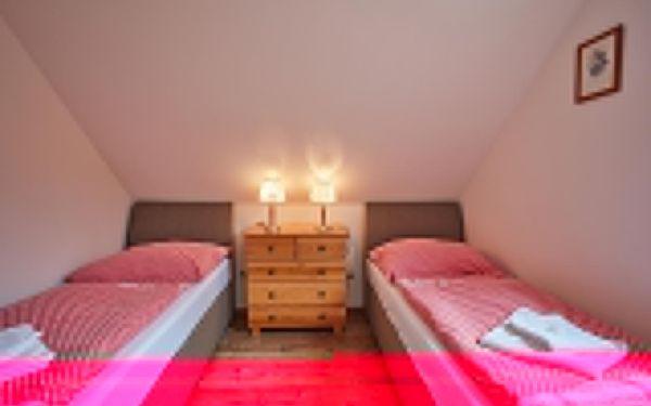 Dvoulůžkový pokoj Superior s manželskou postelí3
