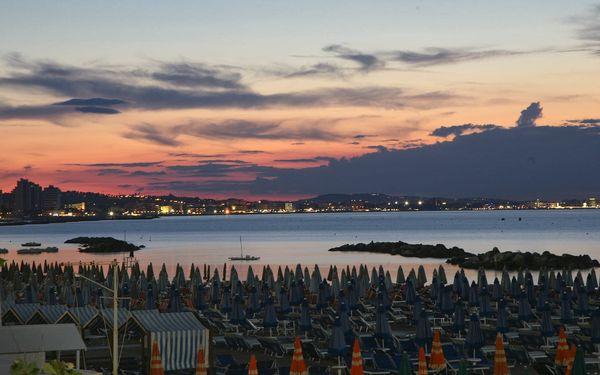 Dominanty San Marina s pobytem na pláži v Rimini: odpolední koupání a slunění4