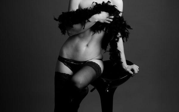 Akty, glamour nebo erotické focení s profi fotografkou a možností líčení2