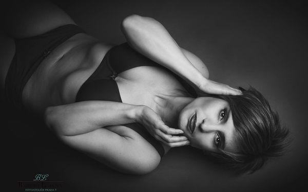 Akty, glamour nebo erotické focení s profi fotografkou a možností líčení3
