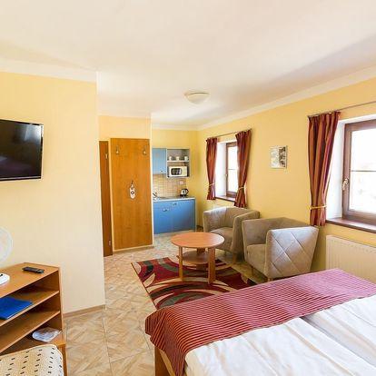 Hotel Admiral poblíž Stezky korunami stromů Lipno