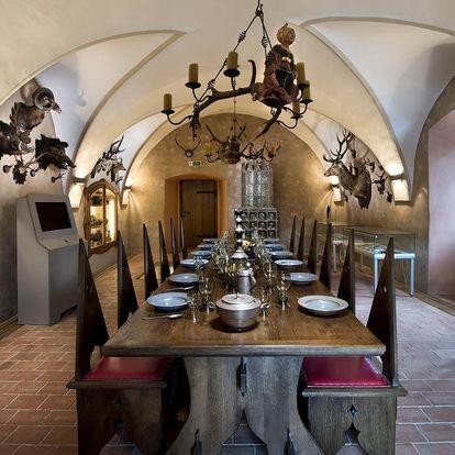 Ubytujte se ve středověké tvrzi ze 13. století na okraji města Letohrad