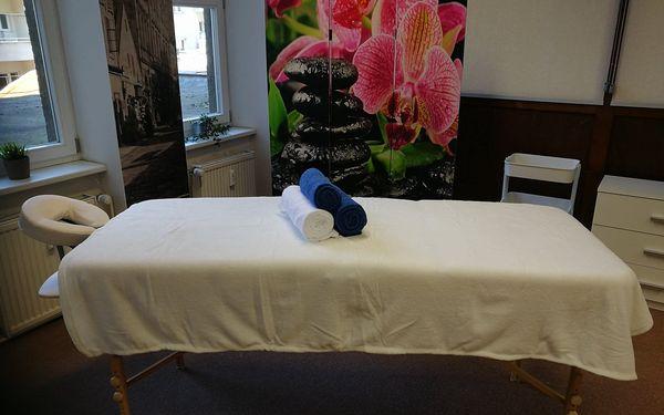 Výběr z masáží v Linity: sportovní, havajská, anticelulitidní nebo párová3