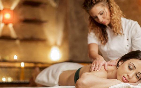 Sportovní, havajská i párová masáž v Linity