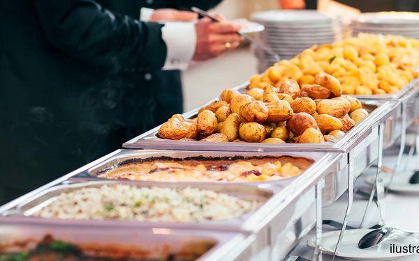 Pořádná porce jídla: neomezená konzumace večeře