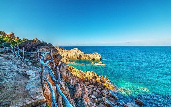 Sardinská romance aneb pěšky severními oblastmi Sardinie, letecky, polopenze5