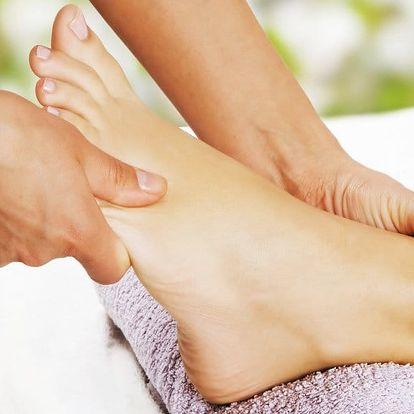 Relaxační a uvolňující masáž plosek nohou a lýtek