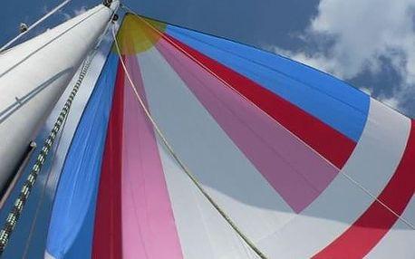 Den na plachetnici s přenocováním