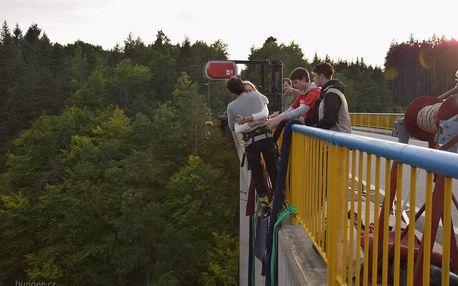 Bungee jumping Zvíkov ve dvou