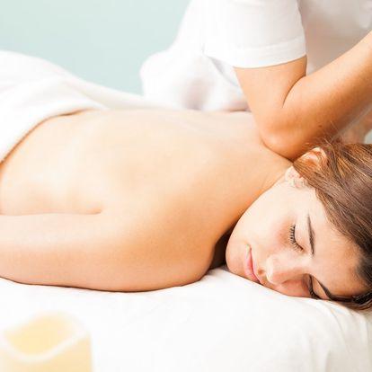 Pryč s bolestí zad: speciální masáž s různými prvky