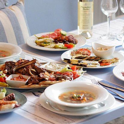 Řecké degustační menu s mořskými plody i masem