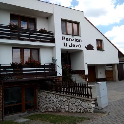 Penzion U Ježů: Ubytování poblíž Aqualand Moravia a vodní nádrže Nové Mlýny