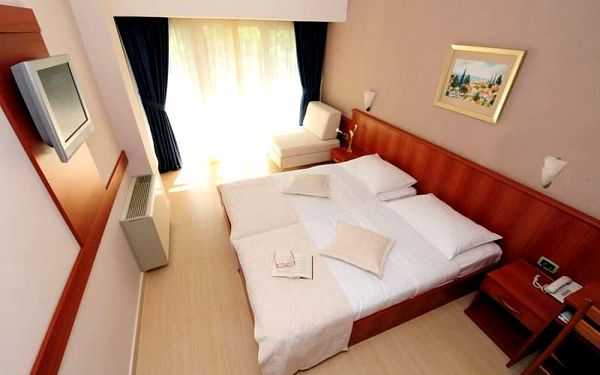 Hotel Pinija - 4 noci, Severní Dalmácie, vlastní doprava, polopenze5