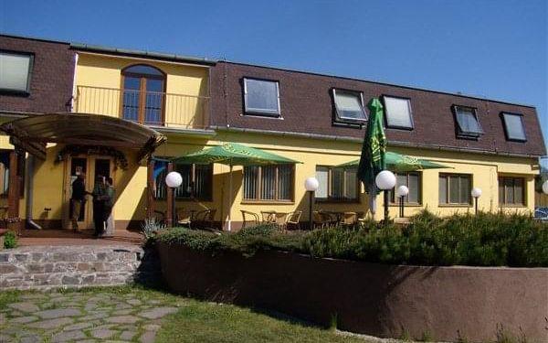 AGROTHERMAL - Bešeňová, Liptov, vlastní doprava, snídaně v ceně2