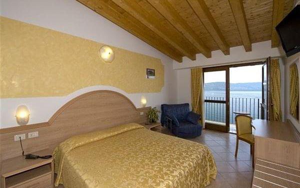 PICCOLO PARADISO - Toscolano - Maderno, Lago di Garda, vlastní doprava, plná penze5