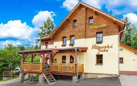 Krušné hory u Karlových Varů: penzion Hamerská Jizba s polopenzí a u skiareálu