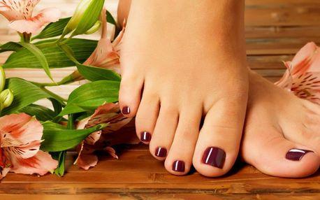 Profesionální pedikúra pro krásné a hebké nohy