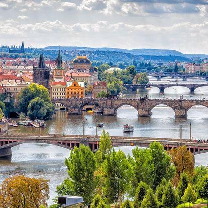 Vyhlídkové plavby po Vltavě i s rautem a hudbou