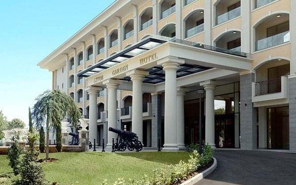 Hotel ASTOR GARDEN5