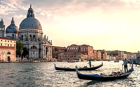 Dovolená v Benátkách pro dva a 2 děti do 17 let zdarma. Tradiční karneval, typické gondoly.
