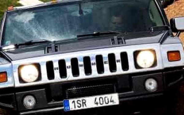 Jízda v Hummeru H2 – 30 minut   Příbram   celoročně (dle počasí)   30 minut + instruktáž2