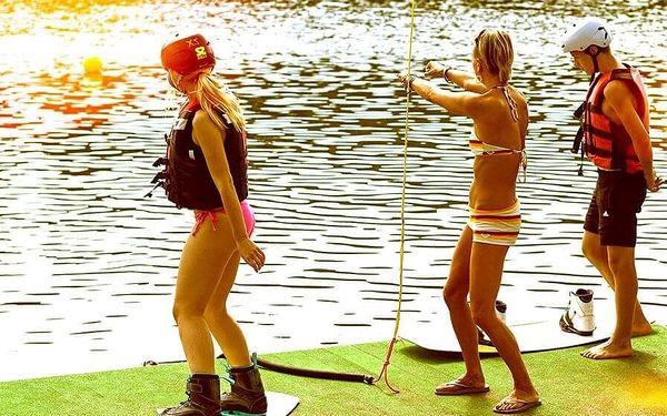 Wake boarding – vodní lyžování pro dva
