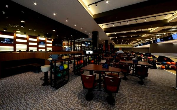 Pizza či cibulové kroužky a bowling v největším bowlingovém centru Moravy5
