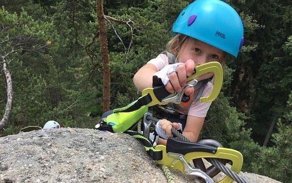 Kurz lezení via ferrat bezpečně   Dolní Světlá   květen – říjen   4 - 5 hodin4