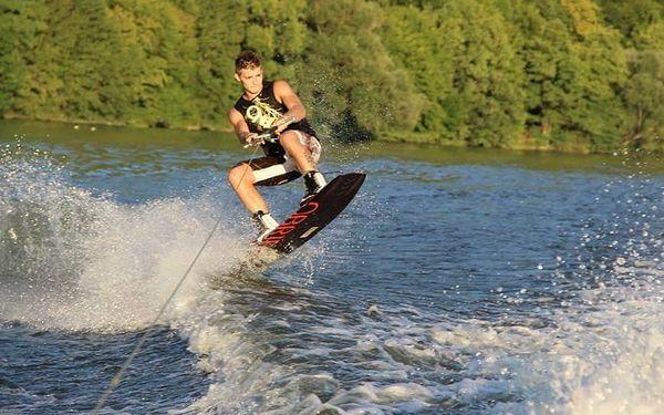 Wakeboarding - 15 minut   Orlická přehrada - Radava   od 1.7. do 15.9.   15 minut + instruktáž2