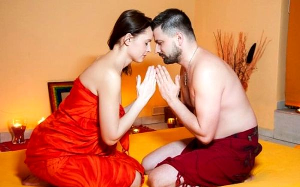 Tantrická masáž Exclusive s královskou koupelí