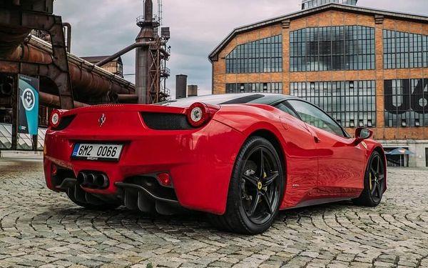 Jízda ve Ferrari 458 Italia - 10 minut | Olomouc | 1. duben – 31. říjen | 10 minut + instruktáž (bez PHM)4