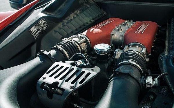 Jízda ve Ferrari 458 Italia - 10 minut | Olomouc | 1. duben – 31. říjen | 10 minut + instruktáž (bez PHM)5