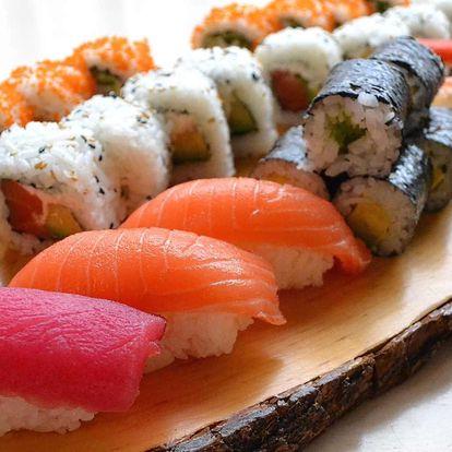 Sushi sety s lososem, tuňákem, úhořem i kaviárem
