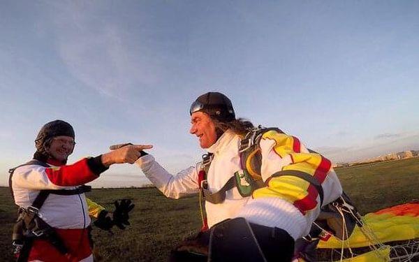 Tandemový seskok Brno z výšky 3000 m3