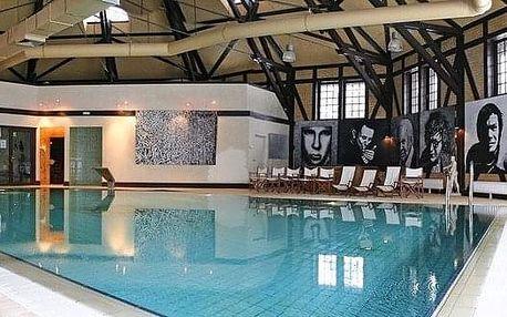 Kliczków - přírodou obklopený zámek Klickzków se vstupem do bazénu na 4 dny, bez stravy s dopravou vlastní