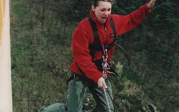 Swing jumping   Písek   od poloviny května – konec září   30 minut2