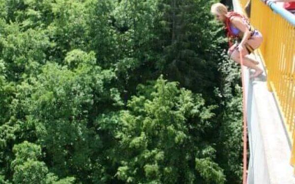 Swing jumping   Písek   od poloviny května – konec září   30 minut3