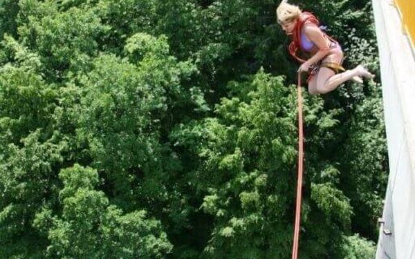 Swing jumping   Písek   od poloviny května – konec září   30 minut5