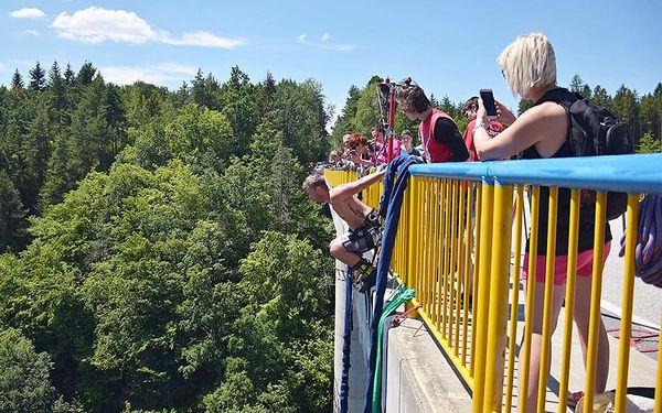 Bungee jumping Zvíkov | Písek | od poloviny května – konec září | 30 minut2