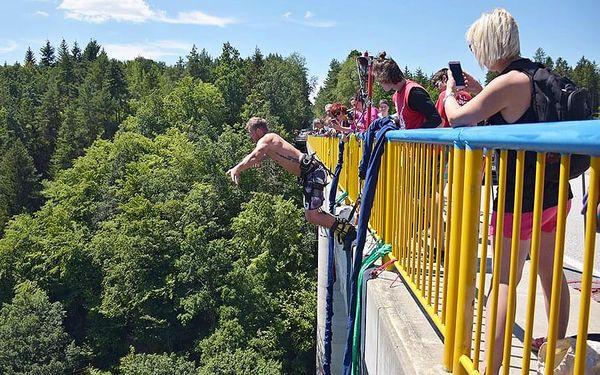 Bungee jumping Zvíkov | Písek | od poloviny května – konec září | 30 minut3