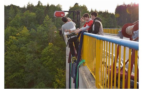 Bungee jumping Zvíkov | Písek | od poloviny května – konec září | 30 minut4