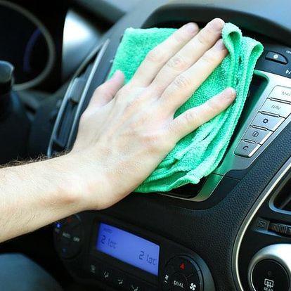 Důkladné čištění interiéru auta i voskování