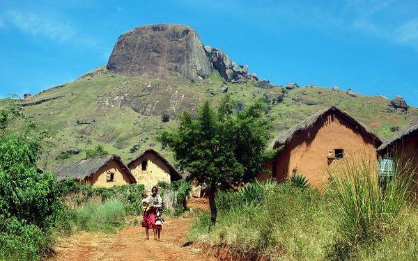 Madagaskar - Osmý kontinent světa, letecky, snídaně v ceně3