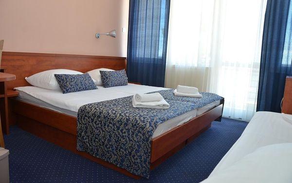Dvoulůžkový pokoj Comfort s manželskou postelí/oddělenými postelemi a výhledem do zahrady - vedlejší budova3