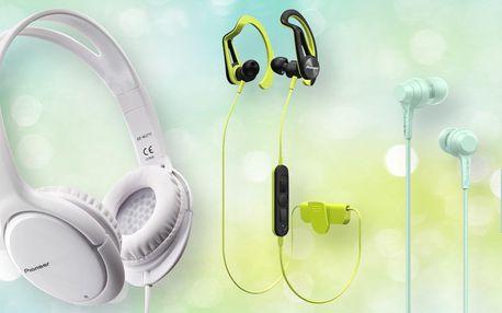 Sluchátka Pioneer: pecky, přes uši i sportovní
