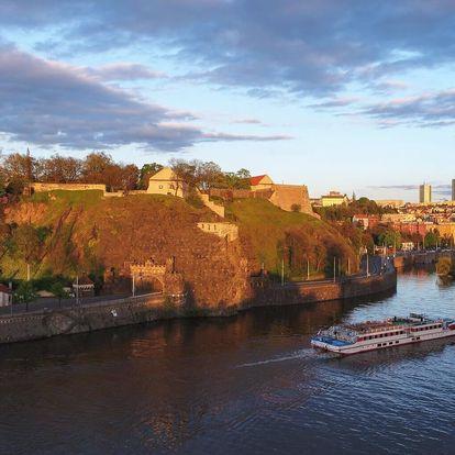 Vyhlášená vyhlídková plavba po Vltavě s obědem a živou hudbou